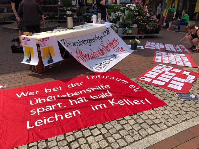 Gedenktag für verstorbene DrogengebraucherInnen 2018: Infostand und Mahnwache in Hamburg