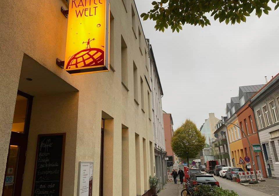 Die KAFFEEWELT sucht Servicekräfte für Cafebereich und Seminarräume