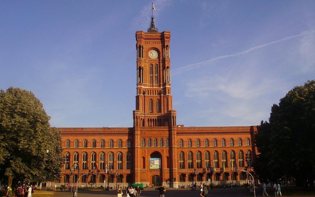 Berliner Suchthilfe demonstriert gegen Sparpolitik