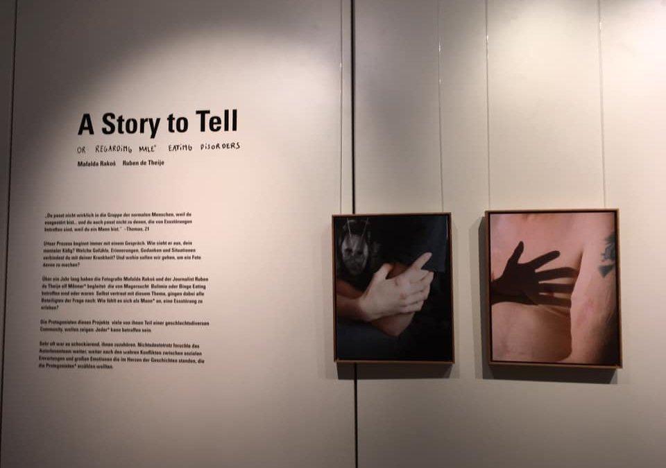 Fotoausstellung zu Männern mit Essstörungen in Altona eröffnet