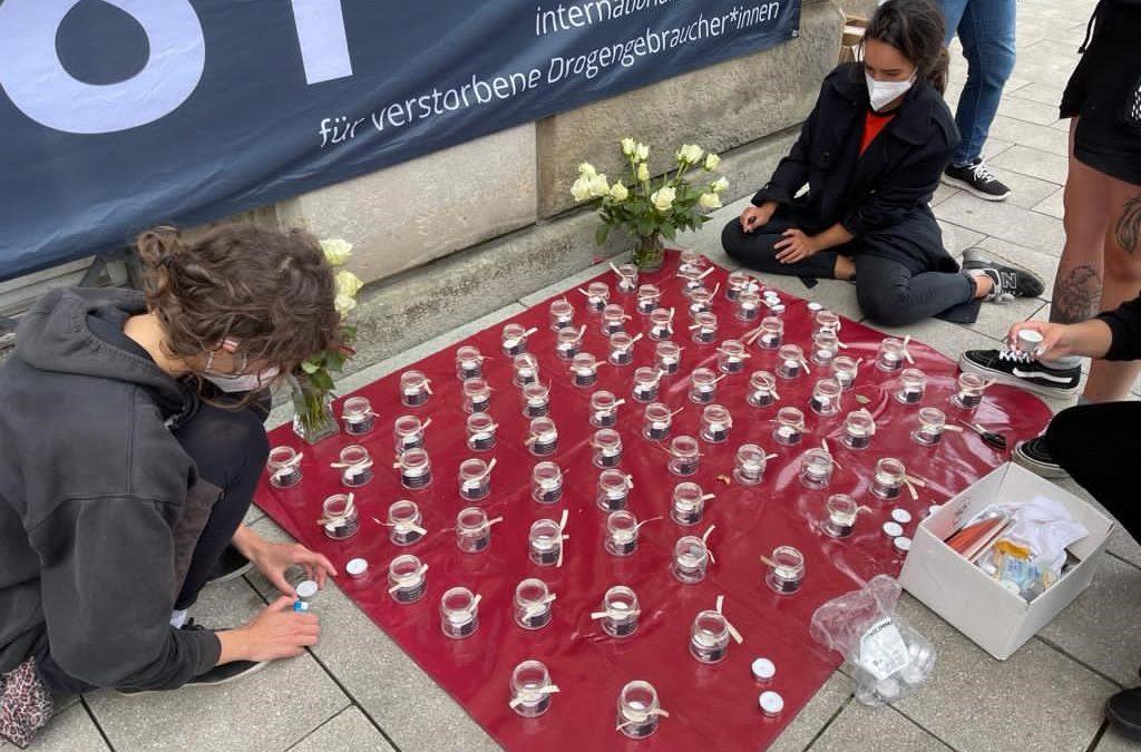 Zum Gedenktag für verstorbene Drogengebraucher*innen: HLS e.V. fordert verlässliches Angebot gerade auch der niedrigschwelligen Hilfsangebote in Pandemiezeiten